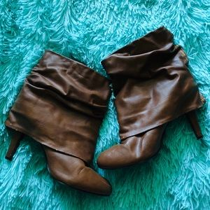 Shoes - Brown scrunch skinny heal ankle boots size 7